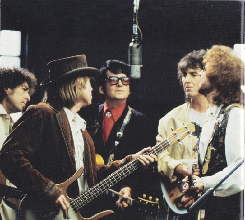 Review The Traveling Wilburys Collection Vol 1 Mikeladano Com