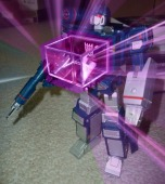 Soundwave making energon cubes