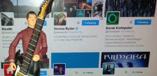 SERENA RYDER FOLLOWS ME