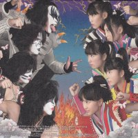 "REVIEW: KISS vs Momoiro Clover Z - ""Samurai Son""/""Yume no Ukiyo ni Saitemina"" CD singles"