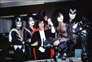 kiss-and-ezrin-in-tails