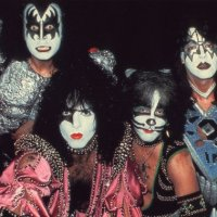 RE-REVIEW:  KISS - Dynasty (1979)
